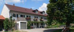 holmerhof-gesundheitshof-bayern-gesundheitsurlaub-hausansicht-260.jpg