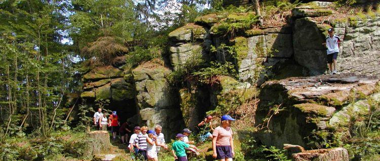 Wanderurlaub Bayerischer Wald Wandern in Bayern Felsenpark und Schlosspark in Falkenstein